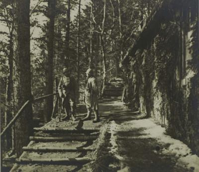 camp-meudon-corps-de-garde-1er-mars-1916-1.jpg