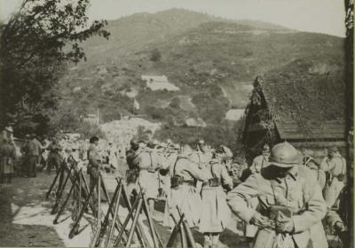 cie-infanterie-essayant-masque-a-gaz-moosch-11-oct-1916.jpg