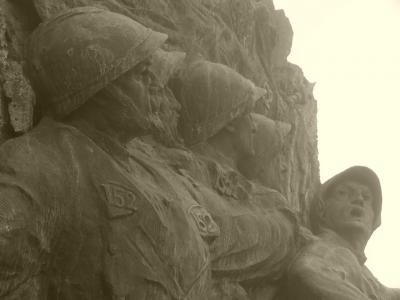 detail-du-monument-du-15-2.jpg