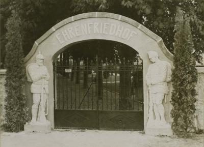 entree-cimetiere-militaire-allemand-1916.jpg