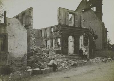 les-ruines-de-la-mairie.jpg