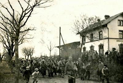 prisonniers-du-152-eme-ri-gare-d-ensisheim.jpg