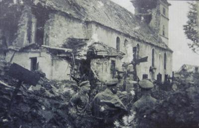 Soldats allemands tranchee cimetiere
