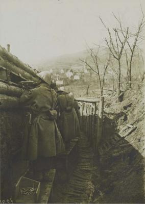 village-vu-de-tranchee-de-1ere-ligne-02-mars-1916-2.jpg